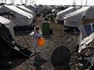 Uprchlický tábor v Irbílu, jeden a půl milionu Iráčanů muselo opustit své...