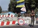 Kontrolní stanoviště ukrajinské Národní gardy na okraji Mariupolu (28. srpna