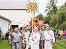 P�íjezd menhiru do Hola�ovic provázel impozantní druidský rituál s druidy,...