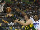 RIVALOVÉ ZE SPURS. Šampioni NBA ze San Antonia proti sobě stanuli na...