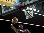 Americký basketbalista Kenneth Faried mí�í pro sme� do tureckého ko�e.