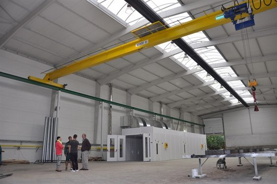 Moderní lakování ocelové konstrukce pro montované haly
