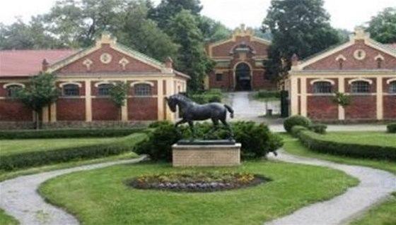 V prostorách píseckého hřebčína je umístěna jedna ze studií sochy koně, jejíž