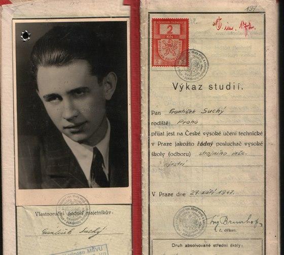Školní index Františka Suchého mladšího z ČVUT z roku 1947. Tehdy mu bylo...