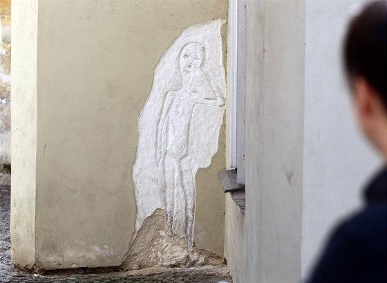 Tajemná postava u Přední synagogy v Třebíči