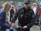 Policisté kontrolovali stánkaře na tržnici Lipový dvůr v Aši na Chebsku.