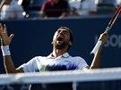 Chorvatský tenista Marin Čilič si po postupu do semifinále US Open přes...