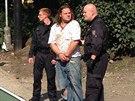 Policisté na Karlově náměstí v Praze honili muže v ukradené dodávce (4.9.2014)