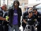 Policie v Los Angeles zatýkala zaměstnance fast food řetězců, kteří...