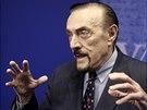 Zimbardo učí od roku 1968 na Standfordově univerzitě. Zabývá se...