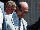 Arthur Walker. John Walker jej přilákal ke spolupráci podle doporučení KGB....