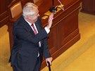 Prezident Miloš Zeman se zdraví s poslanci po svém projevu ve sněmovně (2. září...
