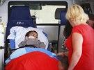 Pětiletý Ashya King při příjezdu do motolské nemocnice, kde budou chlapci léčit...