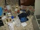 Kriminalist� v Praze zadr�eli organizovanou skupinu, kter� vyr�b�la pervitin.