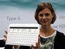Logitech klávesnice, která si rozumí s mobilem i počítačem.