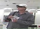 Pachatel, který se pokusil vyloupit bankovní pobočku v pražské Ovenecké ulici....