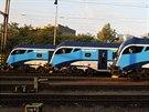 České dráhy ukázaly všechny své dosud převzaté soupravy Railjet vedle sebe (7....