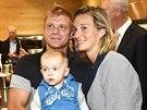 Barbora Špotáková s partnerem Lukášem Novotným a synem Jankem