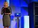 Nov� procesor p�edstavila Diane Bryant, �editelka divize serverov�ch �e�en�...