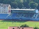 Na novou tribunu ústeckého stadionu se v zápase s Libercem mohli poprvé ...