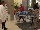 Lékaři v Protonovém centru vítají pětiletého Ashyu Kinga s rodiči (9.9.2014)