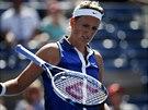 FRUSTRACE. Viktorii Azarenkové čtvrtfinále US Open s Jekatěrinou Makarovovou...