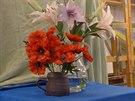 Akrylové barvy jsou pro začátečníky nejvhodnější. Nahoře jsou květiny, které...