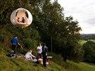Výjimečný stan pro dva se zavěšuje na strom speciální kladkou.