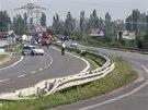 Při nehodě autobusu u Bratislavy zemřel řidič, dalších šest cestujících bojuje