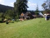 Klidná osada poblíž horské chaty Doroťanky