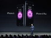 Šéf společnosti Apple Tim Cook při představení nových iPhonů 6 a 6 Plus (9....