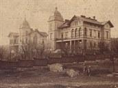 Unik�tn� z�b�r na H�ckelovy vily kr�tce po sv� dostavb� v roce 1882.