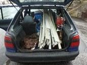 Auto bylo nalo�ené kradenými v�cmi, které zmizely ze skladu firmy na Kájovsku.
