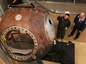 Vostok 3K-2A, který se v roce 2011 prodal za 2,9 milionu dolarů.