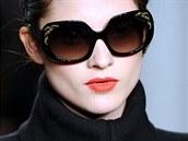 Také v New Yorku na týdnu módy nesměly červené rty chybět. Ty velmi elegantní a...