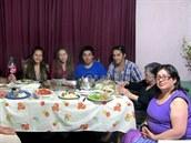 Laura John se svou rodinou z Chile.