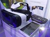 Vše, co potřebujete k virtuální realitě od Samsungu. Náhlavní soupravu pro...