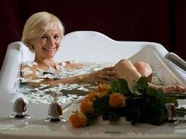 Ideální vánoční dárek? Darujte wellness pobyt v Karlových Varech! Koupel...