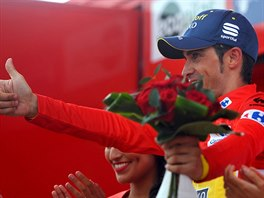Na p�diu vypadal Alberto Contador po 15. etap� Vuelty spokojen�, p�i...