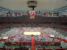 Zahajovací zápas MS volejbalistů sledovalo na vyprodaném fotbalovém stadionu ve...