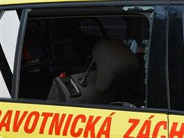 Vykradený sanitní vůz v Brně-Černovicích (6. září 2014).