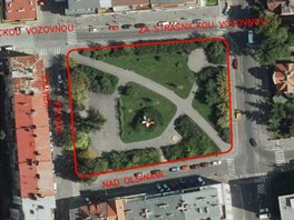 Park mezi ulicemi Nad Olšinami, Nad Primaskou a Za Strašnickou vozovnou se nyní...