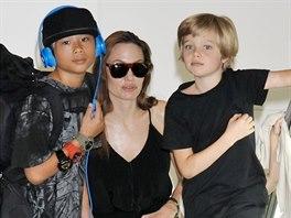 Angelina Jolie a její děti Pax a Shiloh