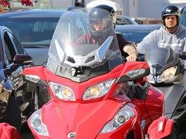 V Hollywoodu se Justin Bieber proháněl na tříkolce, v zácpě se mu ale nelíbilo,...