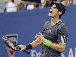GESTO ZMARU. Andy Murray reaguje na ztracený fiftýn ve čtvrtfinále US Open.