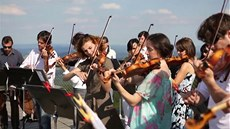 Jiho�eská filharmonie � Koncert v korunách strom�°
