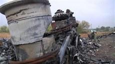 Trosky letu MH17 jsou stále na míst� dopadu na Ukrajin�. (9. zá�í 2014)