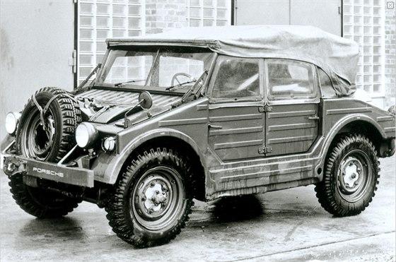 Vojensk� oboj�iveln� speci�l  597 Jagdwagen, kter� cht�la automobilka nab�dnout...