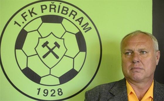 Nový trenér příbramských fotbalistů Pavel Tobiáš na tiskové konferenci.