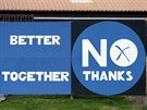 Nezávislost? Ne, děkujeme. Předvolební billboard ve skotském městě Eyemouth (8....